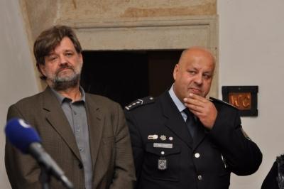 Ministr vnitra Jan Kubice (vlevo) přijel s policejním prezidentem Petrem Lessym do Šluknova zhodnotit se starosty současnou bezpečnostní situaci na severu Čech. Foto: md