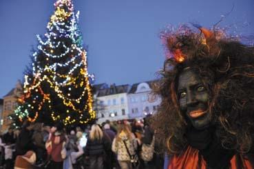 Bytosti pekelné, nebeské i pozemské zahájili již začátkem prosince vánoční těšení a očekávání Štědrého dne. Foto: doucha