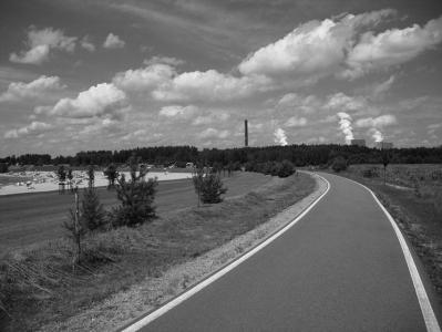 asfaltová stezka